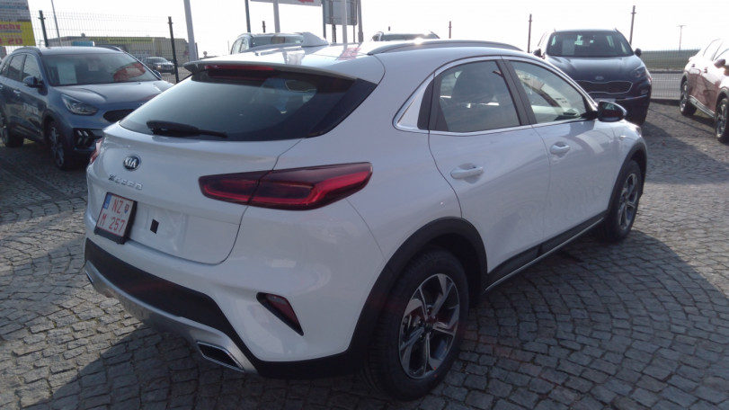 KIA XCeed 1,5 T-GDi 160PS Silver